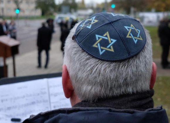 Jeder vierte Europäer hegt antisemitische Ansichten (WELT)